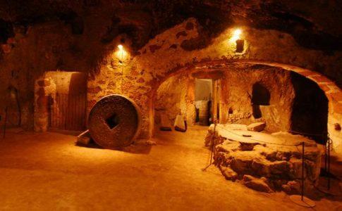 Viaggio nella storia di Orvieto, dalla rupe alla città sotterranea