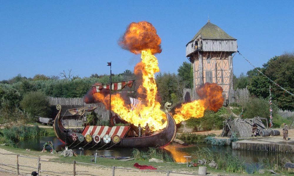 Francia, lo spettacolare parco divertimenti tematico del Puy Du Fou