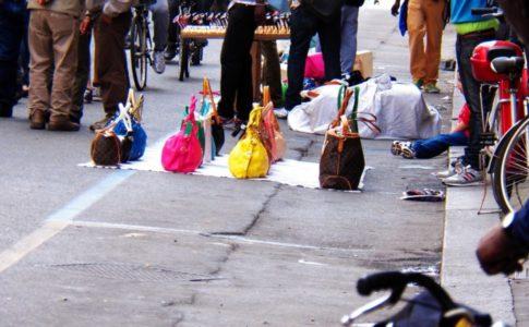 Roma, abusivismo commerciale: sequestrati 50 mila pezzi a febbraio