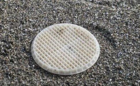 Dischetti di plastica nel mare Tirreno: Codacons si rivolge alla magistratura