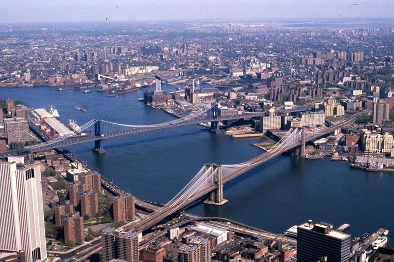 New York, caduto elicottero turistico nelle acque dell'East River: 5 morti