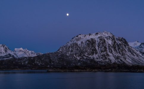 I fiordi norvegesi ripuliti dai rifiuti grazie a droni sottomarini