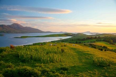 San Patrizio, i festeggiamenti in tutta l'Irlanda tra musiche e colori