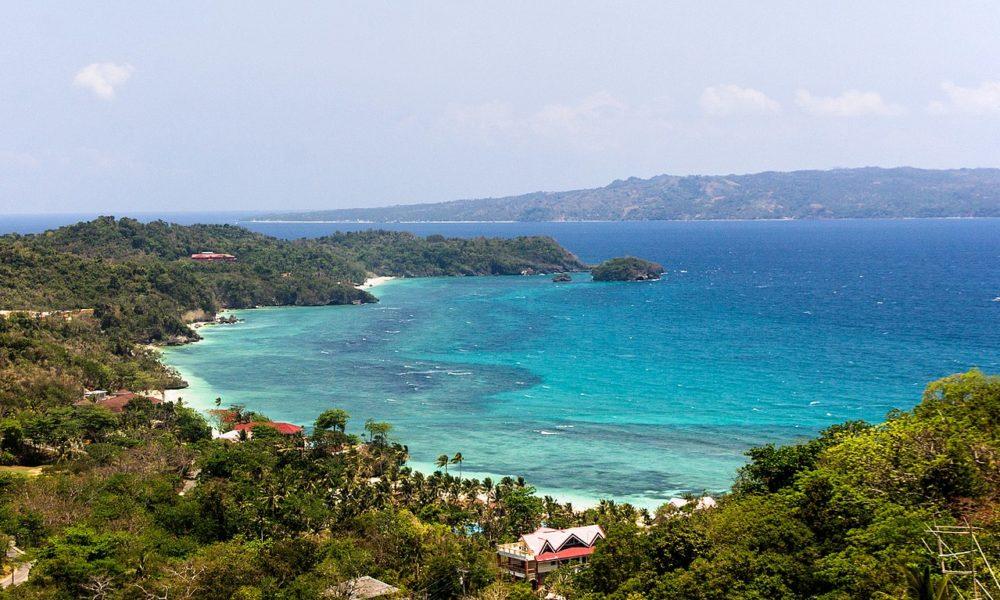 Filippine, l'isola di Boracay chiude ai turisti