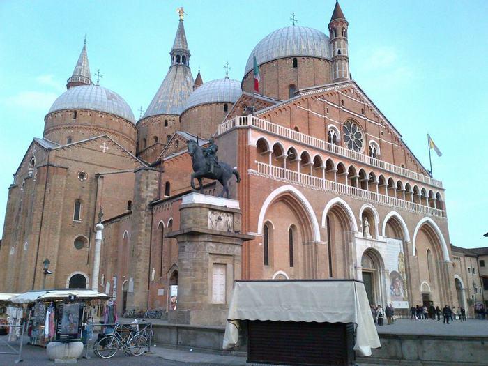 Padova, disposto il restauro della Pontificia Biblioteca