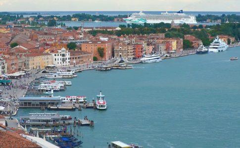 Venezia, da luglio transiterà il 15% in meno delle navi da crociera