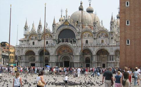 aumenta la spesa dei turisti stranieri in italia