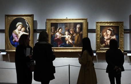 Firenze, cade rivestimento muro bagno Uffizi: ferita turista
