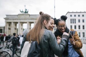 Booking.com: i social media continueranno a influenzare il mondo dei viaggi nel 2019 - TgTourism