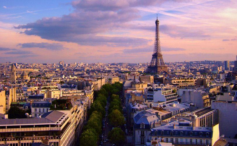 Black Friday: gli italiani scelgono Londra, Milano e Parigi - TgTourism
