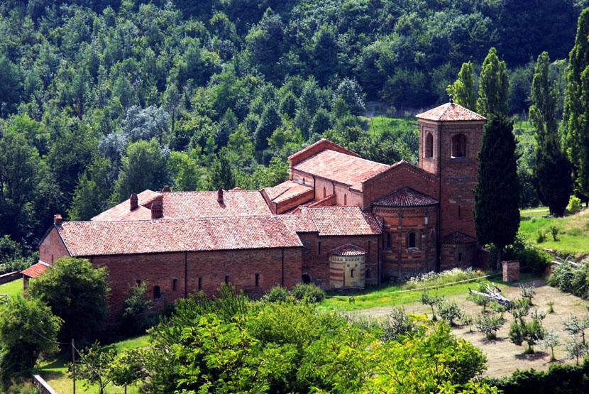 Abbazia di Albugnano Piemonte stile romanico