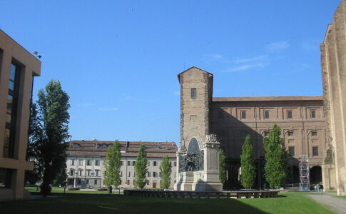 Esterno del palazzo della Pilotta, Parma
