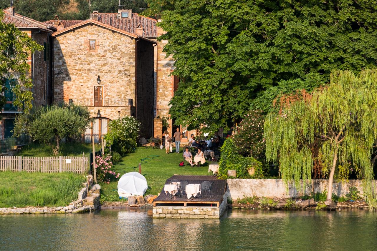 Isola Maggiore sul Lago Trasimeno, case.