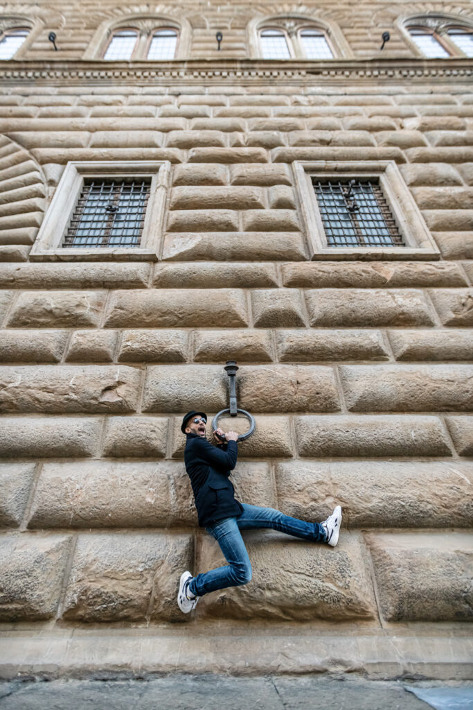 JR davanti a Palazzo Strozzi. 2021 ©Photo Ela Bialkowska, OKNOstudio