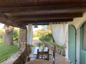 Airbnb, cottage immerso nel verde a Liscia di Vacca, Sardegna.