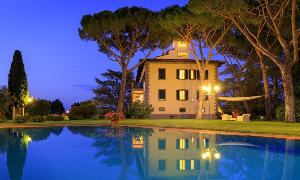 Emma Villas: Villa Beltrami (Toscana), notturno.