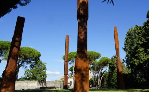 Opera esposta al Beverly Pepper Park. A Todi, sculture outdoor di Land Art. Ph. Umbria Tourism.