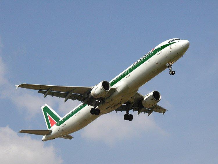 Federturismo difende Alitalia e il traffico aereo nazionale.