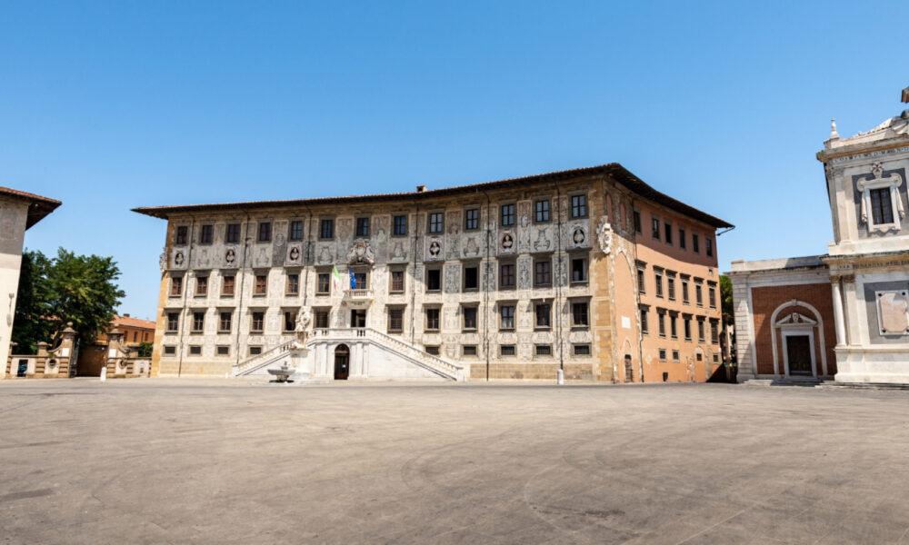 Luoghi di Dante a Pisa. Torre della Fame e piazza dei Cavalieri. Via Visit Tuscany.