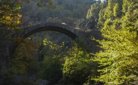 Ponte della Pia, luogo di Dante. Foto di Valda Bozzi via Visit Tuscany.