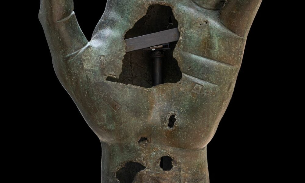 Frammento della mano di Costantino ©Musei Capitolini, foto di Zeno Colantoni