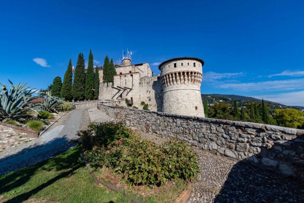Primavera a Brescia. Veduta del Castello. Via Visit Brescia.