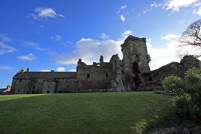 Castello di Aberdour a Culross. Via Wikimedia Commons.