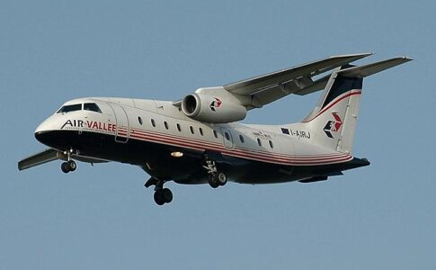 ENAC 2020. Immagine di aereo. Via Wikimedia commons.