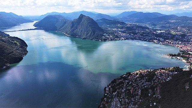 Veduta di Lugano dall'alto. Via Wikimedia Commons.