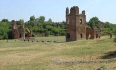 Biking a Roma. Lungo la via Appia. Via Wikimedkia Commons.