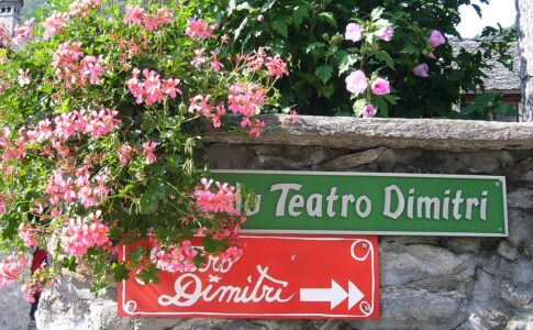 Teatro Dimitri. Via Wikimedia Commons.