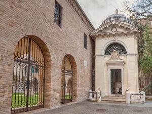 Le Vie di Dante. Tomba di Dante, Ravenna - Emilia-Romagna