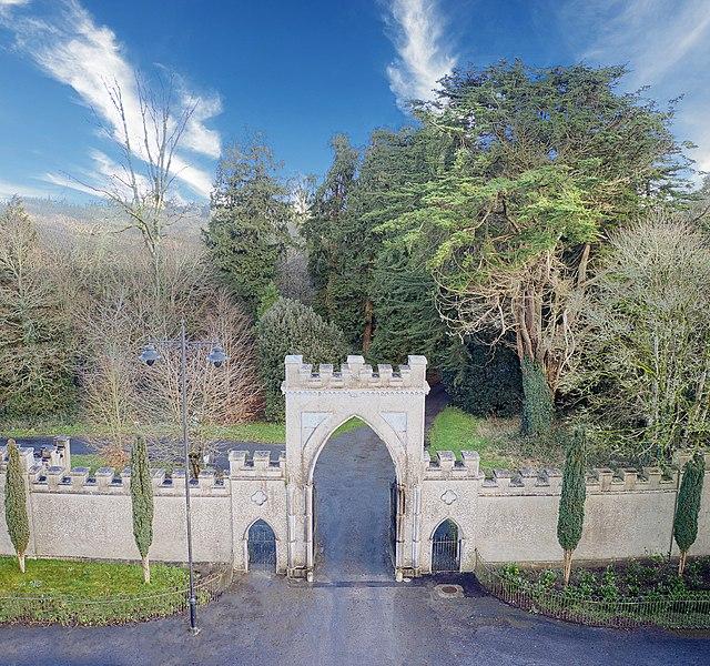 Ireland's hidden heartland, ingresso dello Strokestown Park a Roscommon. Via Wikimedia Commons.