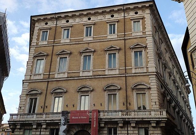 Roma. Nascita di una capitale 1870-1915. PAlazzo Braschi, via Wikimedia Commons.