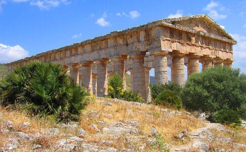 Tempio di Segesta. Via Wikimedia Commons.