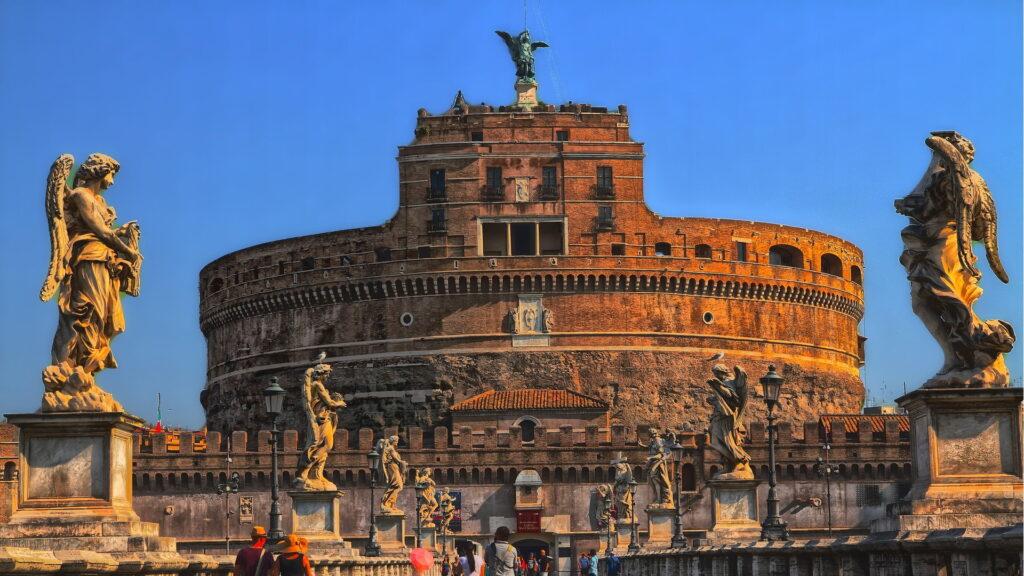Castel Sant'Angelo a Rione Borgo. Via Roma Turismo.