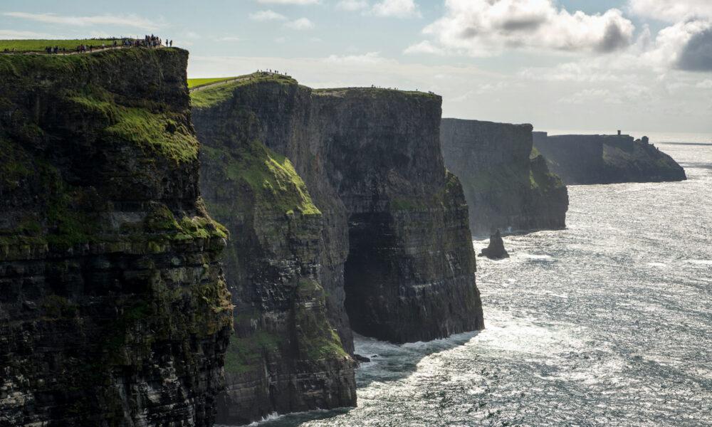 Cliffs of Mother in irlanda. Via Tourism Ireland.