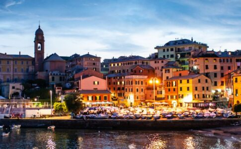 Genova, quartiere Nervi dal mare. Via Visit Genoa.