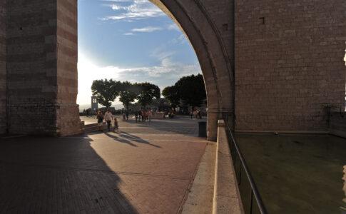 Basilica di Santa Chiara ad Assisi, ph. Bernardino Sperandio. Via Umbria Tourism.