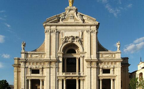 Santa Maria degli Angeli ad Assisi. Via Wikimedia Commons.