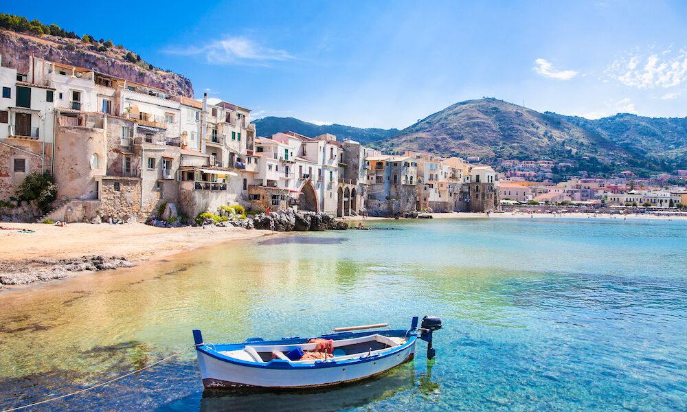 Ripresa turismo. Sicilia Fonte: Volagratis.com