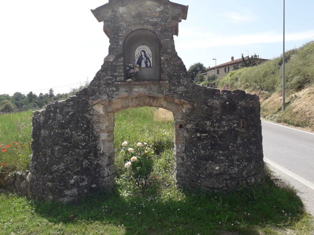 All'ingresso di Sant'Agata del Mugello (ph. Laura Marina Mandelli).