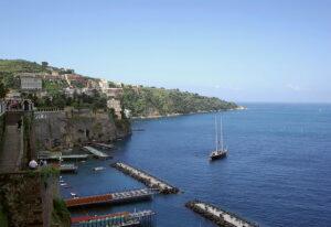 AICEO, Stati Generali del Turismo a Sorrento. Via Wikimedia Commons.