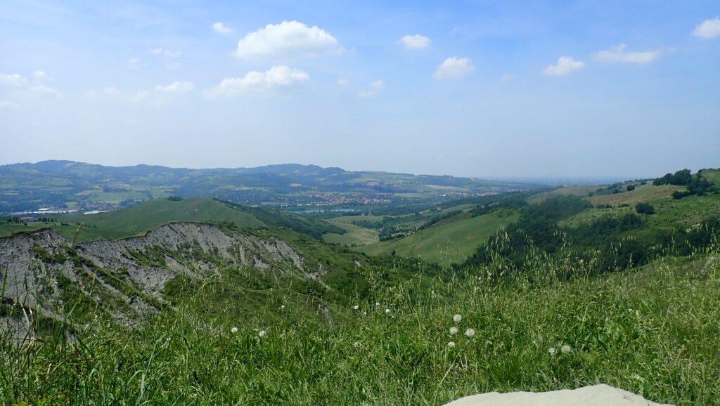 I ripidi versanti dei Calanchi, fra Bologna e Sasso MArconi (ph. Laura Marina Mandelli).