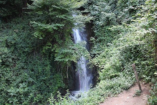 CAscate del menotre via wikimedia commons