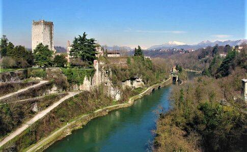 Castello trezzo adda via wikimedia commons