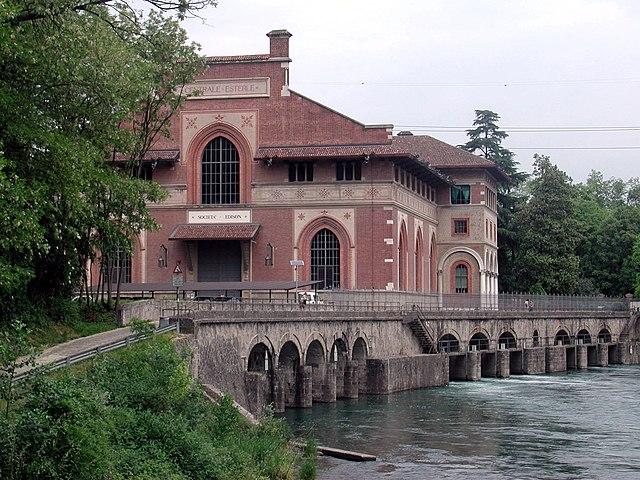 centrale idroelettrica esterle via wikimedia commons