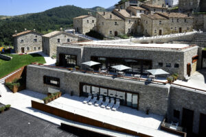 Castel del Giudice, Borgotufi