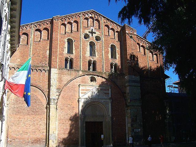 FAcciata di San Pietro in Ciel d'Oro. Via Wikimedia COmmons.