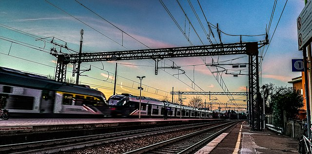 treni via wikimedia commons
